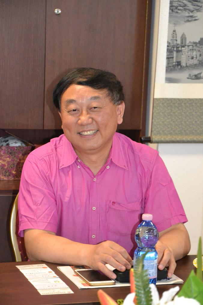 ▲捷克华商联合会副会长 郑明明